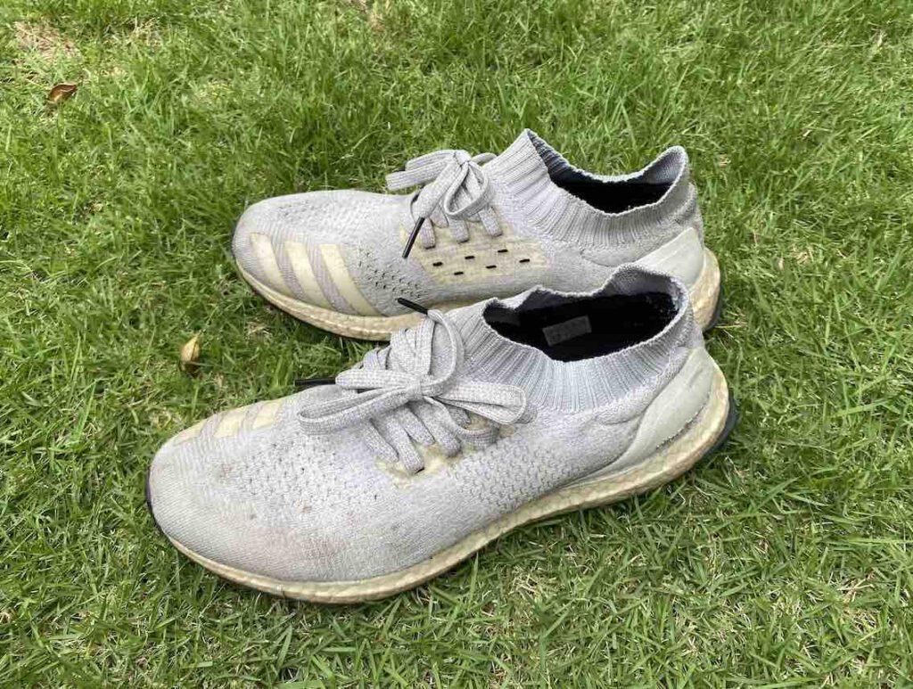 5. รองเท้า Adidas รุ่น ULTRABOOST UNCAGE