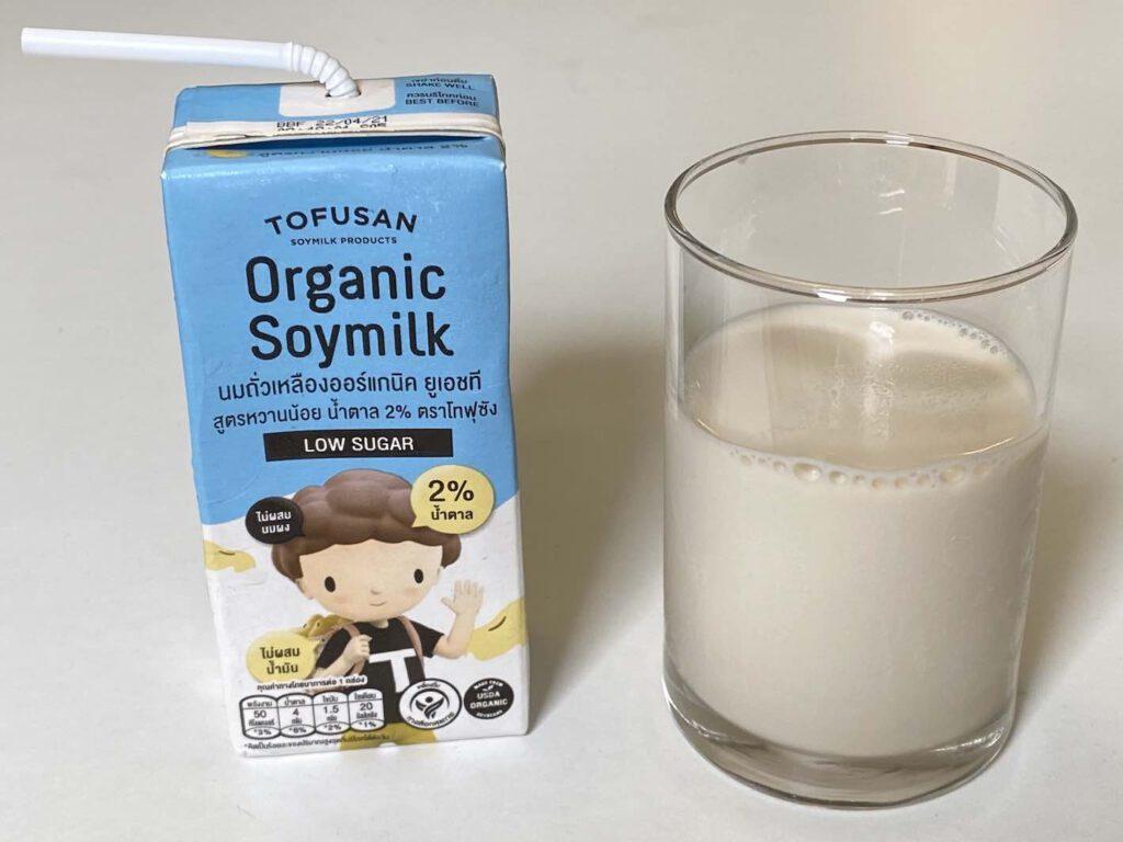 3.2 นมถั่วเหลือง TOFUSAN สูตรน้ำตาลน้อย 2%