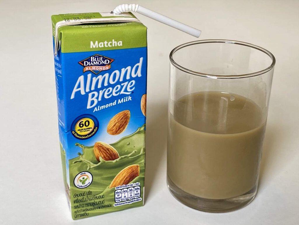 1.2 Almond Breeze รสมัทฉะ