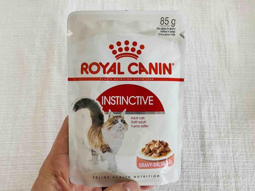 5. อาหารแมว ยี่ห้อ Royal Canin อินสทิงค์ทีฟ แบบเปียก
