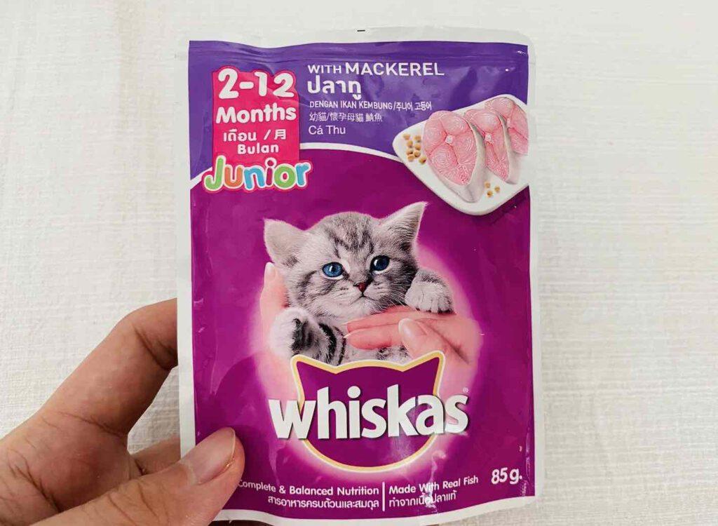 5. อาหารลูกแมว แบบเปียก ยี่ห้อ whiskas รสปลาทู แบบเปียก