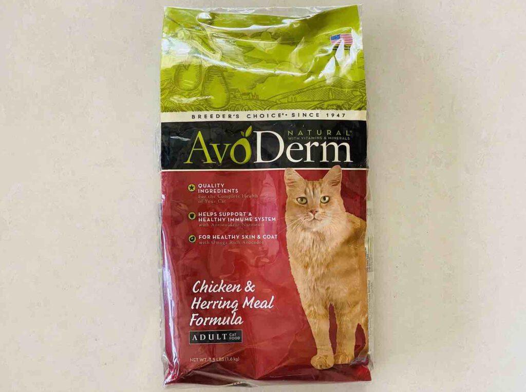 10. อาหารแมว ยี่ห้อ Avoderm แบบแมวโต รสไก่และปลาเฮอริ่ง แบบเม็ด