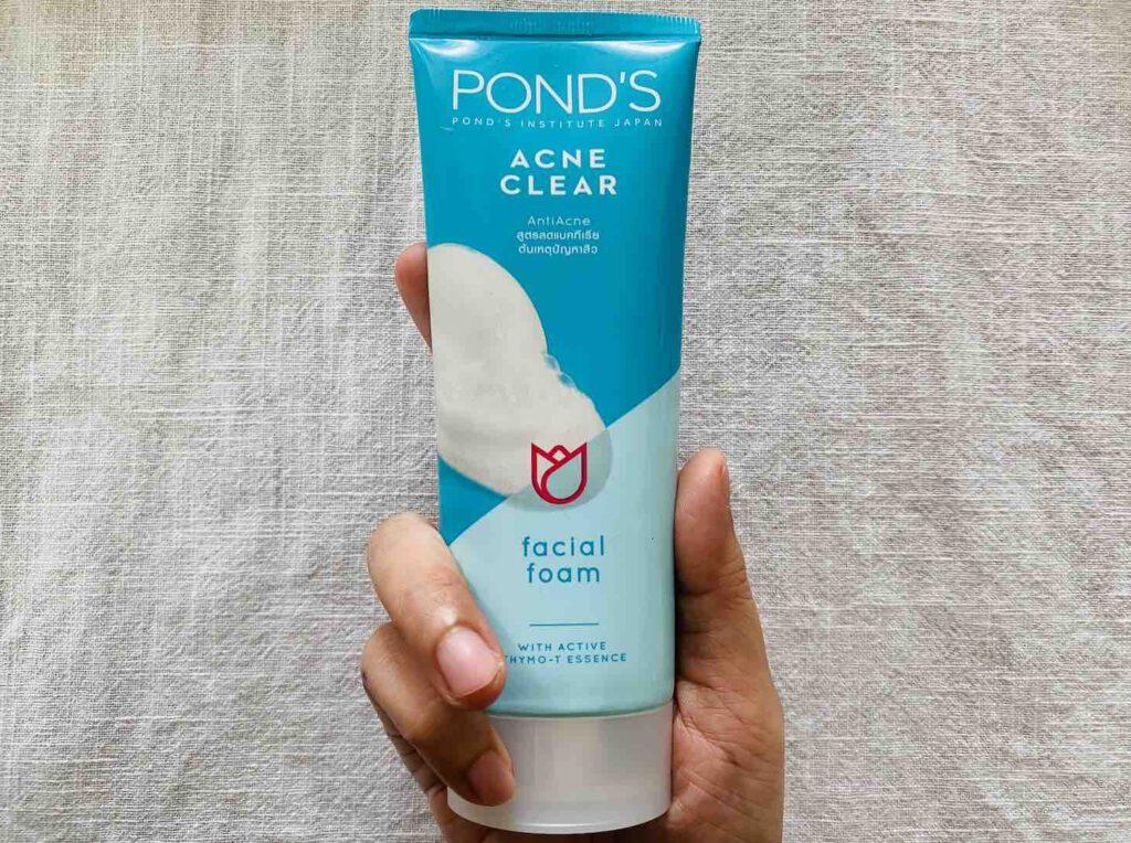 7. โฟมล้างหน้าลดสิว ยี่ห้อ POND'S ACNE CLEAR