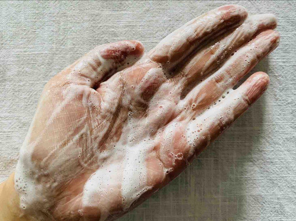 ยี่ห้อ Clean&Clear Essentials foaming facial wash