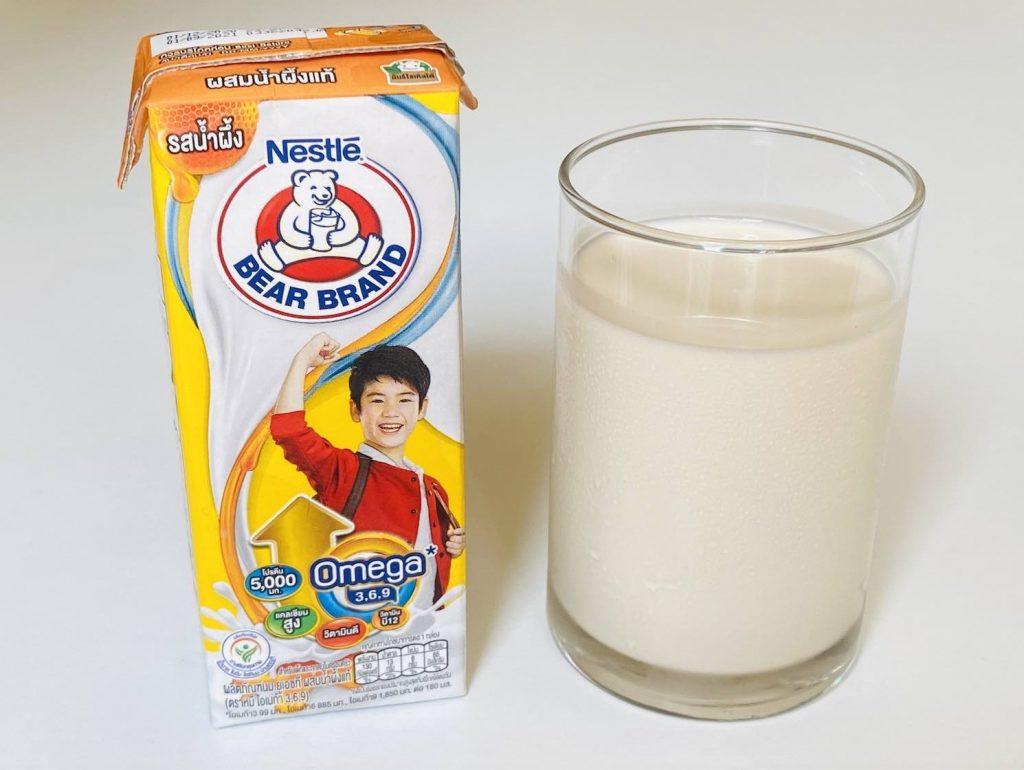 1. นมกล่องเด็ก ยี่ห้อ Nestle ตราหมี รสน้ำผึ้ง