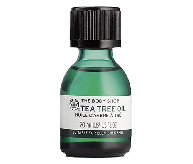 1. ออยทาผิว ยี่ห้อ THE BODY SHOP TEA TREE OIL