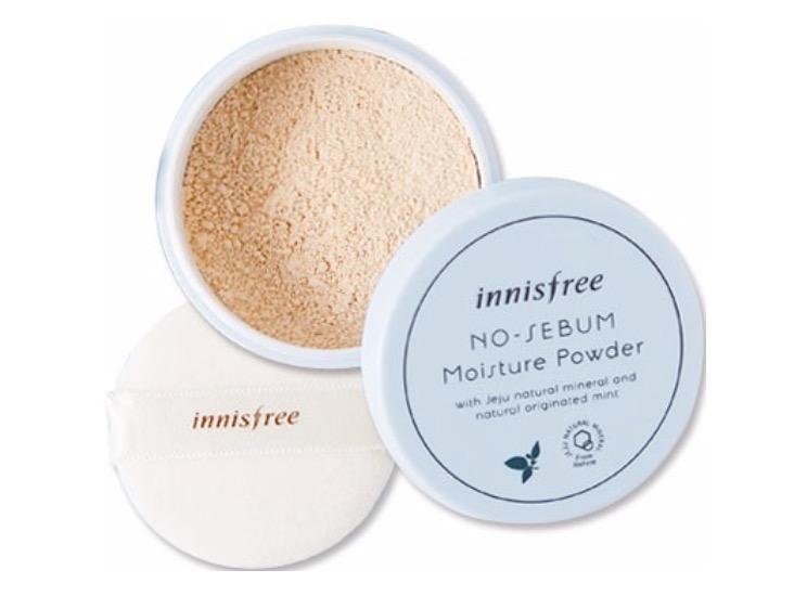 3. แป้งฝุ่นคุมมันเกาหลี ยี่ห้อ innisfree No sebum moisture powder