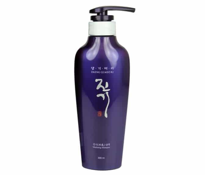 6. แชมพูแก้ผมร่วงเกาหลี ยี่ห้อ Daeng Gi Meo Ri Vitalizing Shampoo
