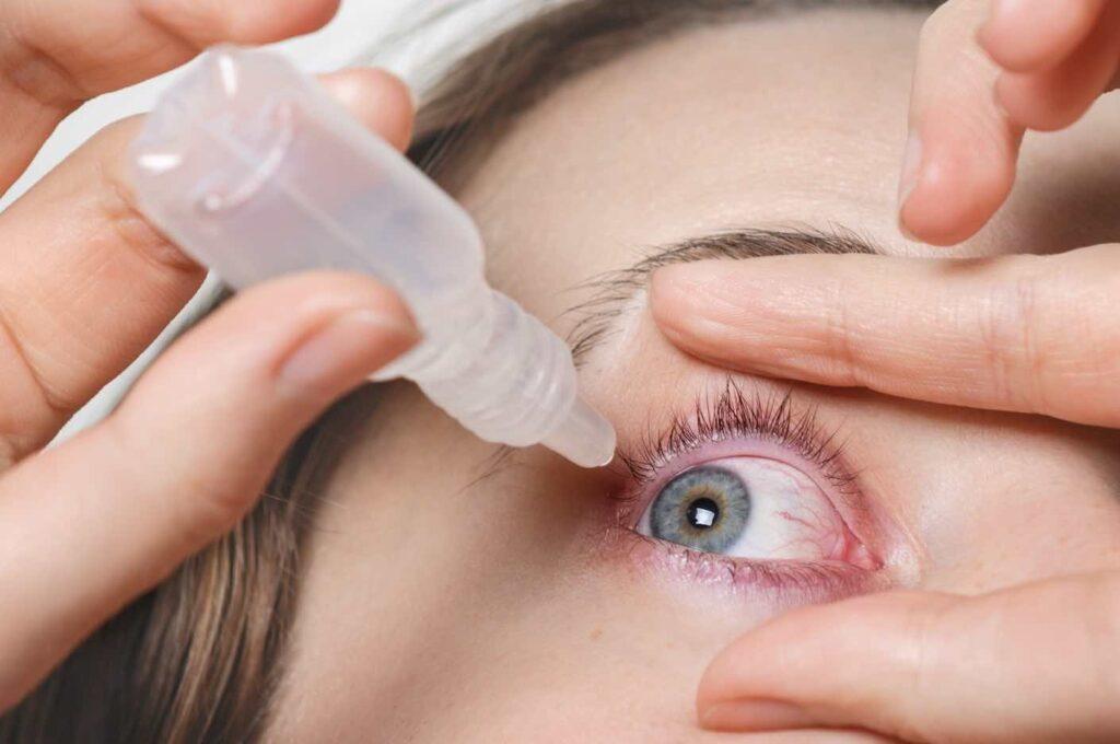 """""""น้ำตาเทียม"""" เหมือนกับ """"ยาหยอดตา"""" หรือ """"น้ำยาล้างคอนเทคเลนส์"""" ไหม?"""