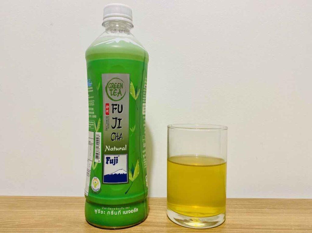 8. ชาเขียวพร้อมดื่ม ยี่ห้อ Fuji รส Natural
