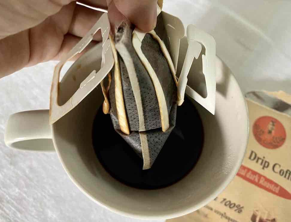 ปริมาณผงกาแฟเยอะ กว่าจะดริปน้ำได้แต่ละที รอกันไปเลย ดูซองดริปดิ อ้วนซะ