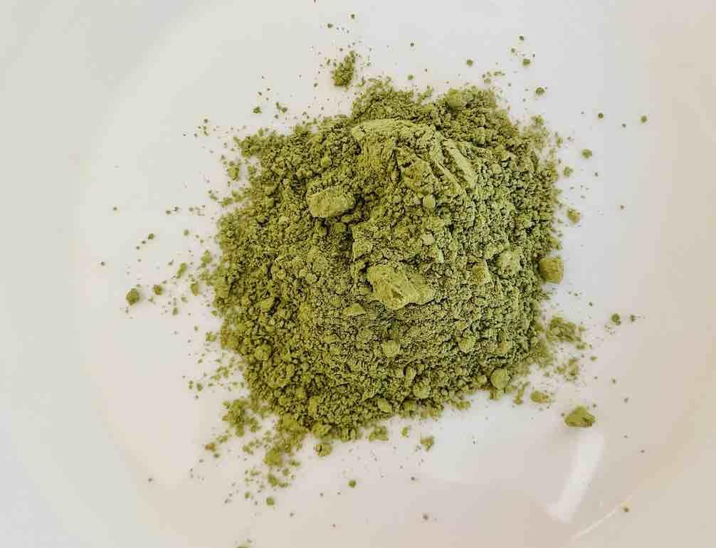 สีเขียวยังไม่ดูแก่ ดูเข้มเท่า WEICO JEE แต่ก็ไม่อ่อน ไม่สดสวยเท่า CHADO