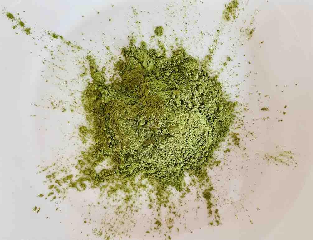 สีเขียวดูสด ดูสวย พอ ๆ กับยี่ห้อ CHADO